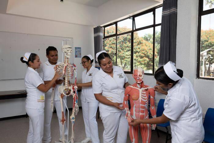 Licenciatura en Enfermería en Oaxaca -1 (1)