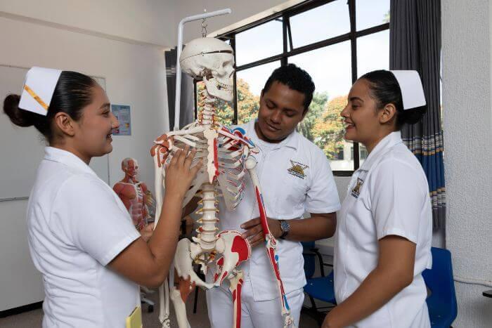 Licenciatura en Enfermería en Oaxaca -3 (1)