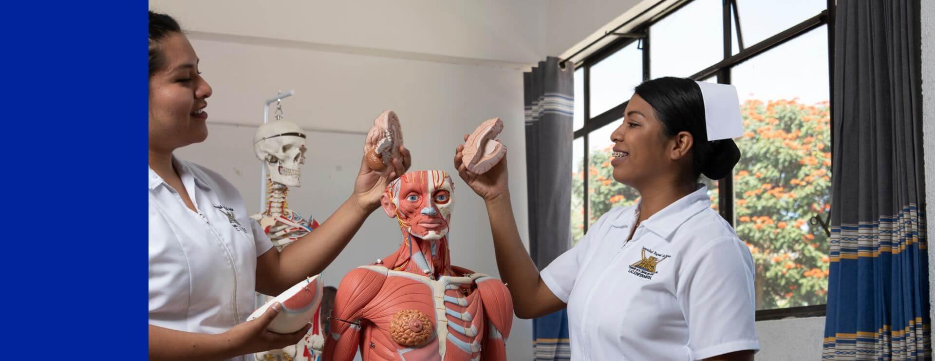 Escuela de enfermería en Oaxaca